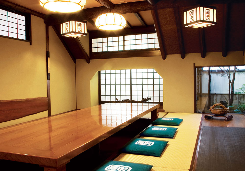 Room (dig seat) of back room Amimoto Honkan (Main) introspectiveness - big things and small things of Kani Doraku