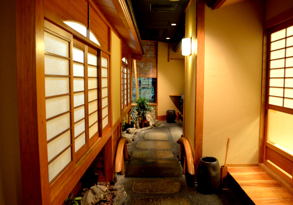 The atmospheric shop of Azumabashi branch introspectiveness - 和