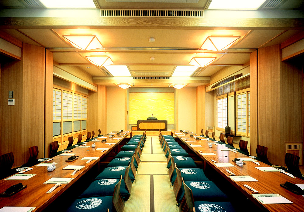 Large hall which is possible to Azumabashi branch introspectiveness -50 people