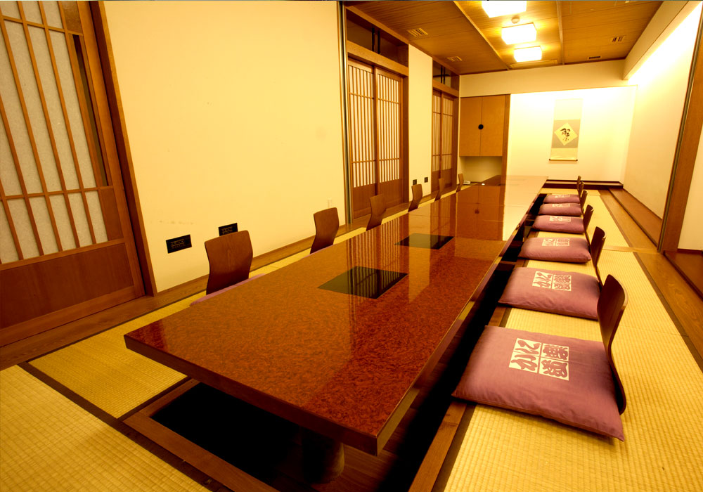 Private room (dig seat) to Ginza 8 chome branch introspectiveness - up to 14 people