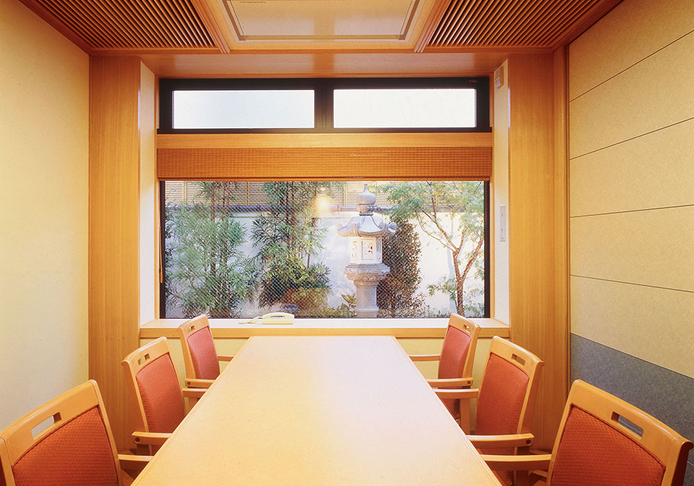 Chair seat (room) which was made relaxedly which can eat as Ibaraki branch introspectiveness - wheelchair