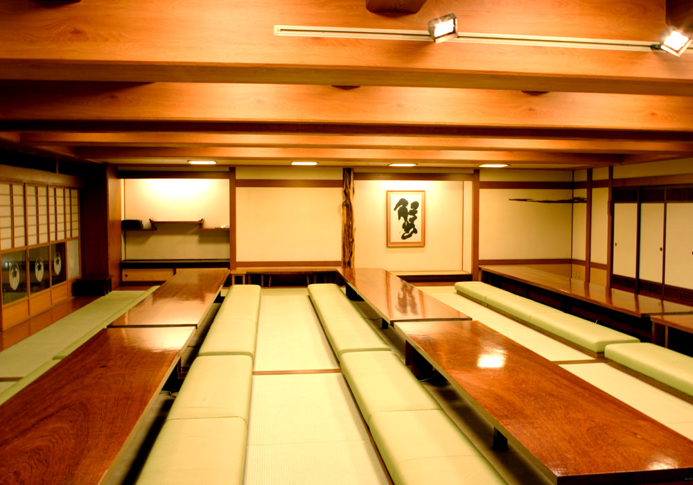 Large hall (dig seat) which is storable to Kawasaki branch introspectiveness -100 people