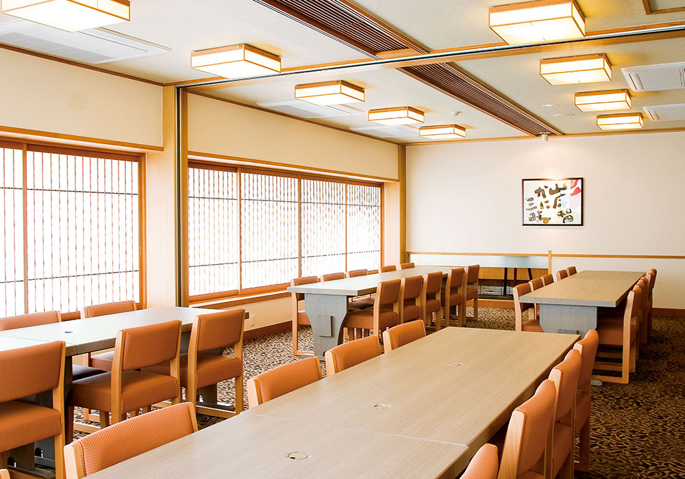 Large hall (chair seat) which can accommodate Kishiwada branch introspectiveness -36 people