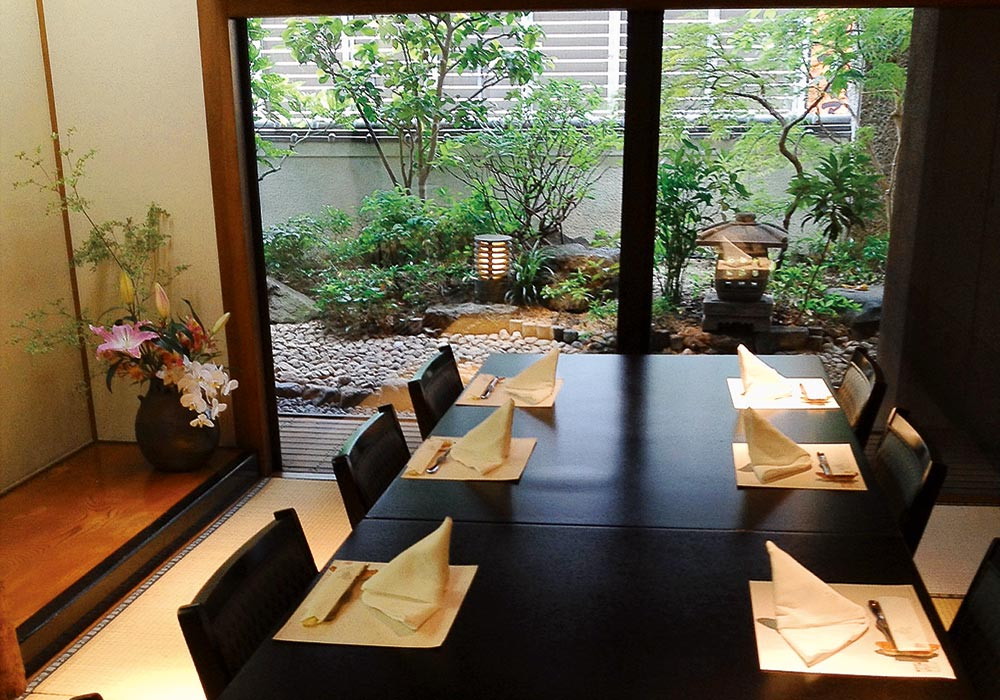 Room with a view of Okayama branch introspectiveness -3 floor room garden. In a great number of people is available. We cope in room other than chair seat.