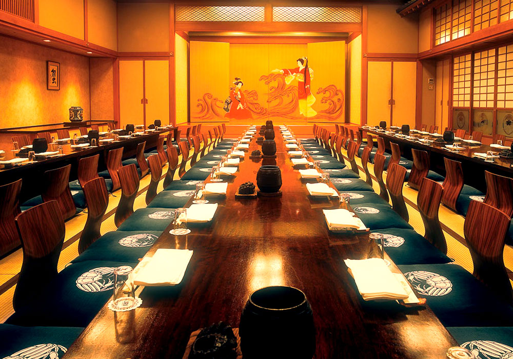 Large hall (dig seat) which is storable to -100 Shinjuku Honten (Main restaurant in Kanto area) introspectiveness