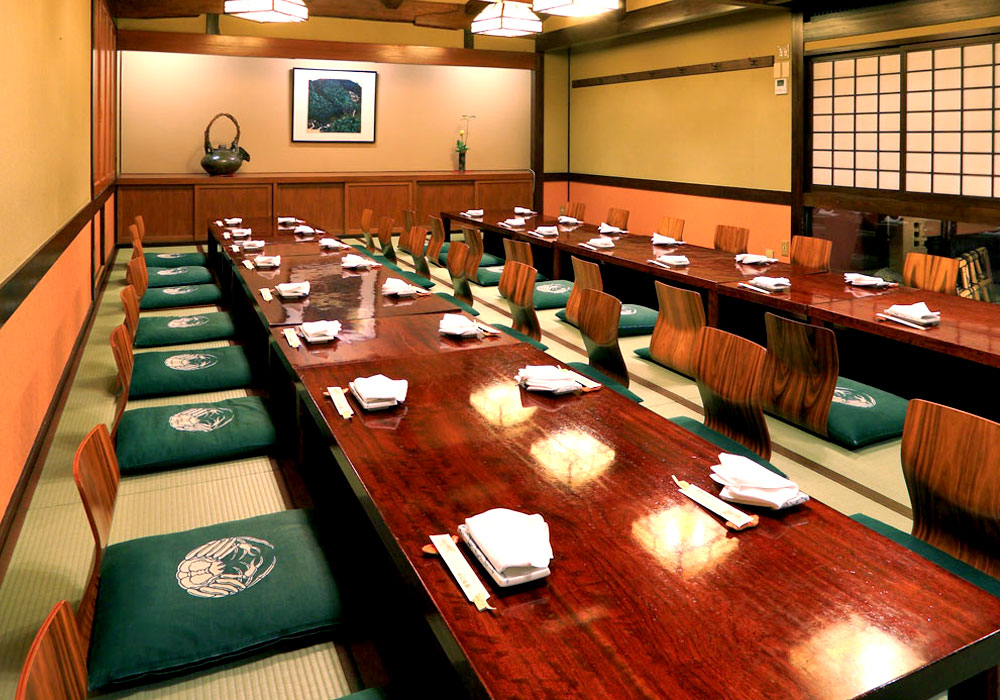 Hall which is available for banquet to -40 Shinjuku Honten (Main restaurant in Kanto area) introspectiveness