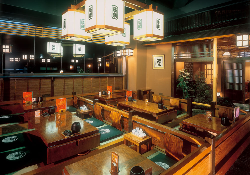 We dig all Shinjuku Honten (Main restaurant in Kanto area) introspectiveness - seats, and seat is cozy relaxedly