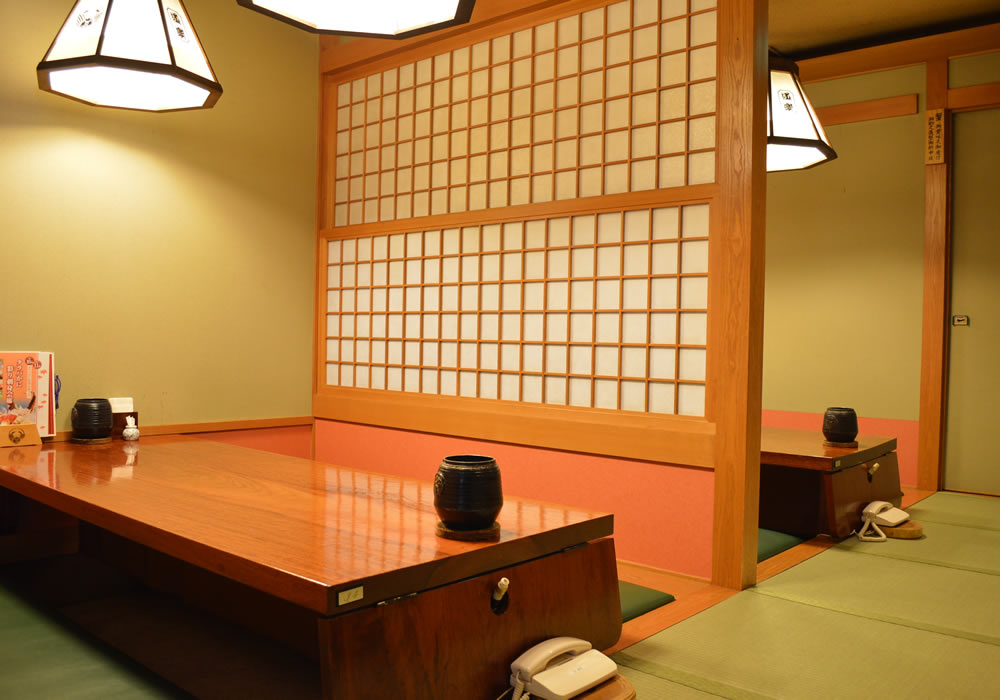 Can eat with Chofu Sengawa branch introspectiveness - calm atmosphere; dig; seat