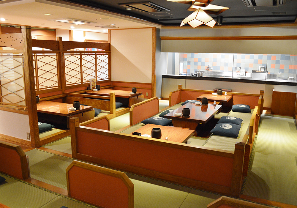 It is cozy relaxedly at seat of Ueno branch introspectiveness - kotatsu set in the floor