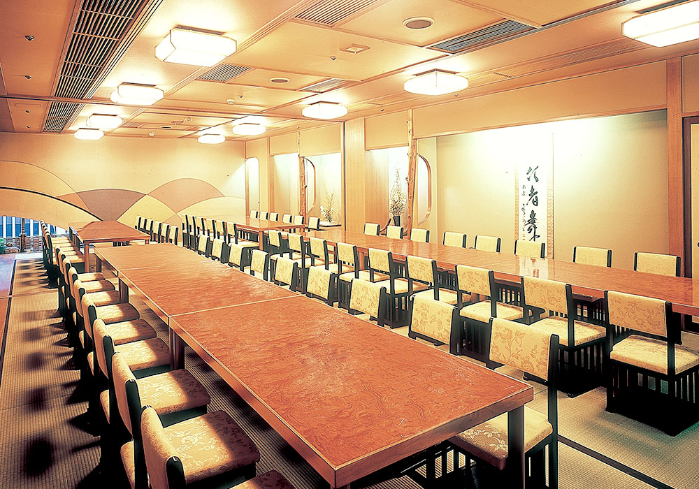 To Umeda branch introspectiveness -60 people large hall (chair seat) of the accommodation