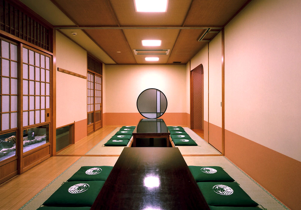 It is completely equipped with a lot of Yokohama branch introspectiveness - big things and small things private room, too